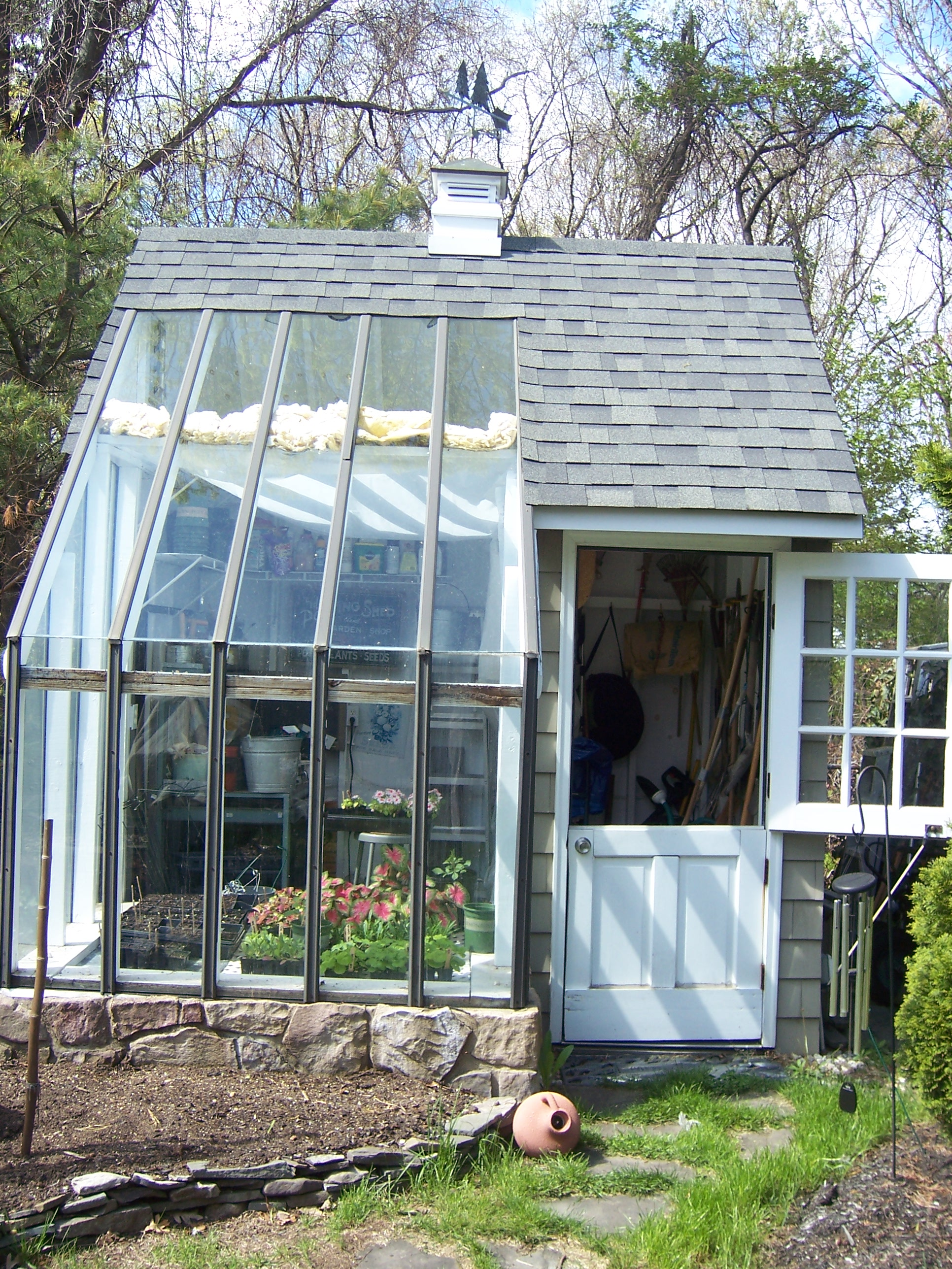 Multifunctional Buildings That Garden Shed Greenhouse Combination